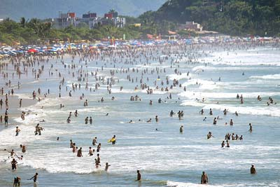 Turistas permanecem em Ubatuba após as festas de final de ano