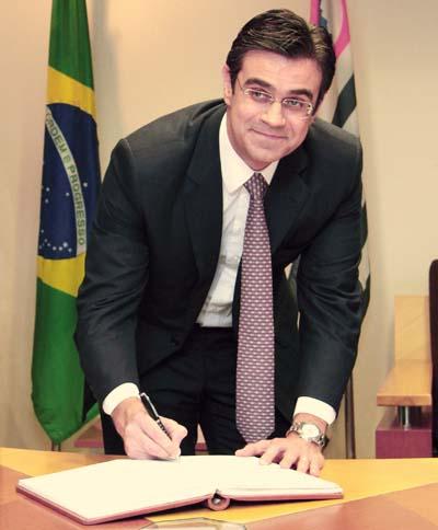 Rodrigo Garcia assume Secretaria de Estado da Habitação