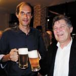 Juan Francisco e o mestre cervejeiro Jörg Schwabe
