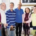Ao lado dos casais Nancy e Sérgio Cunha Martinez, Carolina e Plínio Bosquetti