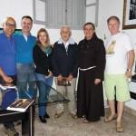 Aciole Ferreira Júnior e Cláudia Cristina, Glauco de Lima Guedes, frei André e Johannes Luyten