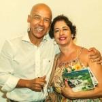 Com a querida prima do autor, Nádia Arruda