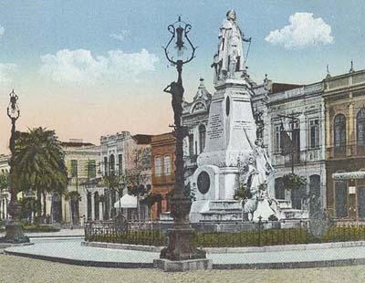 Primeiro monumento da cidade é erguido em honra ao fundador de Santos