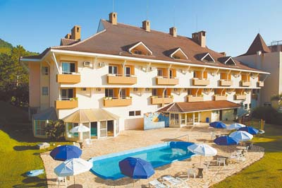 Hotel completa maioridade