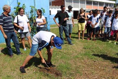 """Mongaguá mobiliza estudantes contra o """"Aedes aegypti"""""""