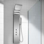 Spa vertical no banheiro compacto