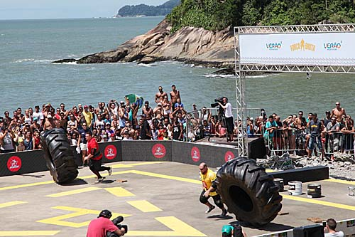 Atletas mais fortes do mundo agitam Parque Roberto Mário Santini