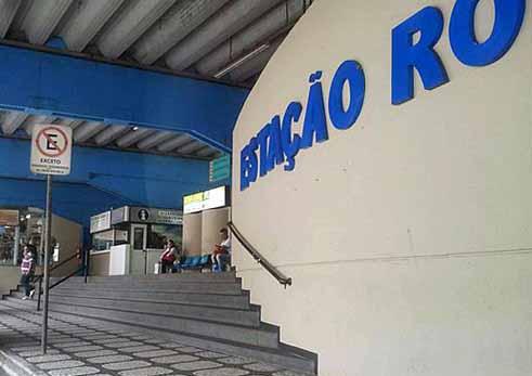 Ação preventiva do Procon na Rodoviária de Santos autua três empresas