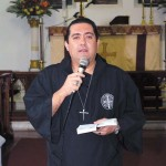 Reverendo Leandro Antunes Campos fez oração a Santiago
