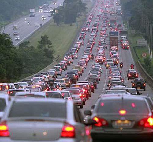 Atenção aos horários de pico nas rodovias de São Paulo neste feriado de Páscoa