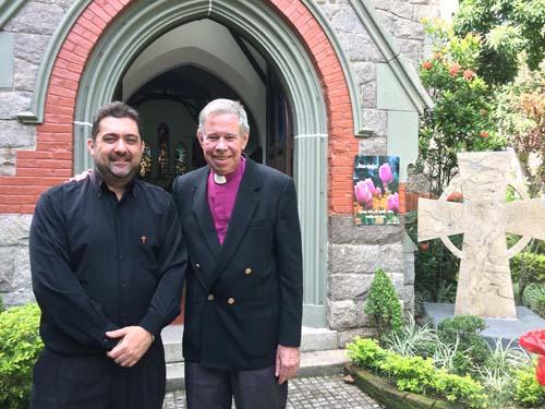 Rev Leandro e Bispo D Roger Douglas Bird_