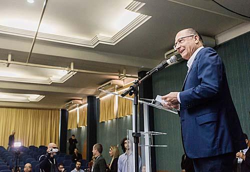 Geraldo Alckmin faz abertura do 37º Congresso da Adjori-SP