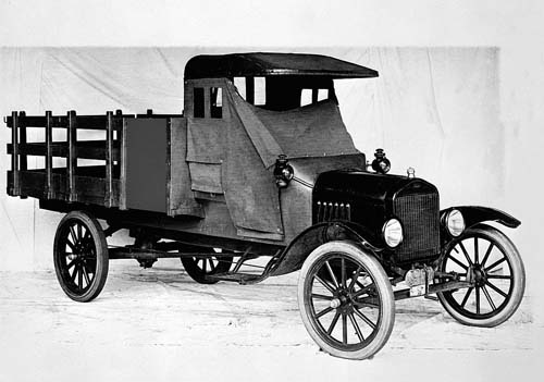 Ford comemora 100 anos de picapes