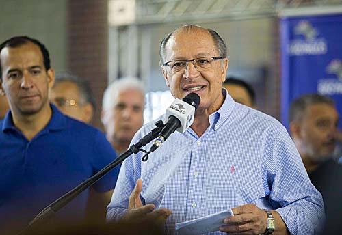 Integração entre VLT e linhas municipais vai gerar economia de R$ 3,50 por viagem