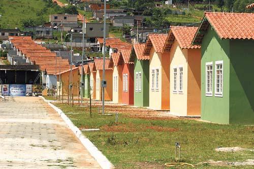 Imóveis populares apresentam defeitos na construção
