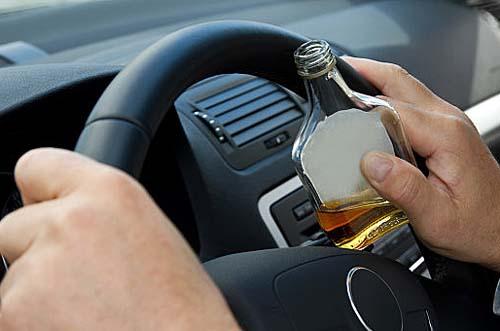 Feriado prolongado não combina com bebida e direção, alerta Detran.SP