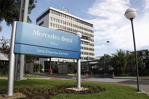 Mercedes-Benz investirá R$ 2,4 bi
