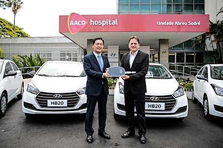 AACD recebe cinco carros