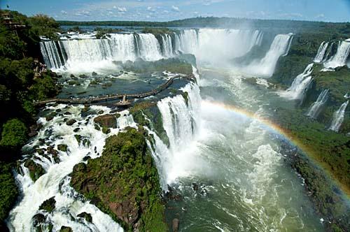 Mais de 1,7 milhão de pessoas visitaram o Parque Nacional do Iguaçu em 2017