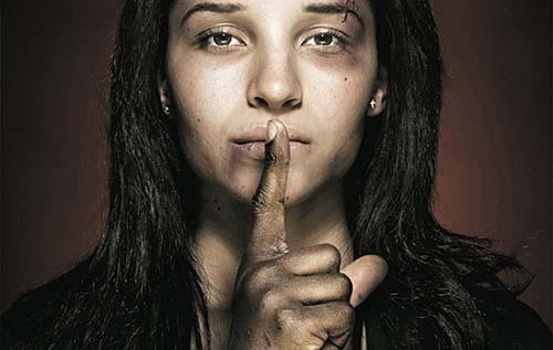 Luta contra violência e violação dos direitos da mulher devem marcar a data