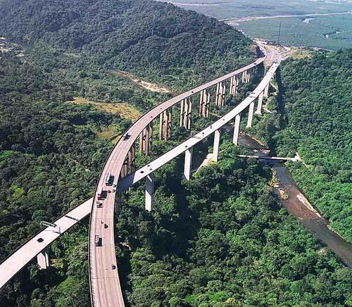 Rodovias aguardam 2 milhões de veículos no feriado prolongado