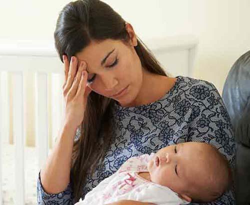 Como enfrentar a tristeza materna no pós-parto
