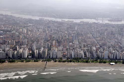 Santos comemora aniversário com prova aquática, atos oficiais e shows
