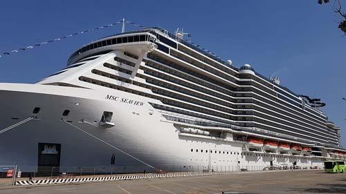 Antes de embarcar, 4.700 passageiros do MSC Seaview serão vacinados