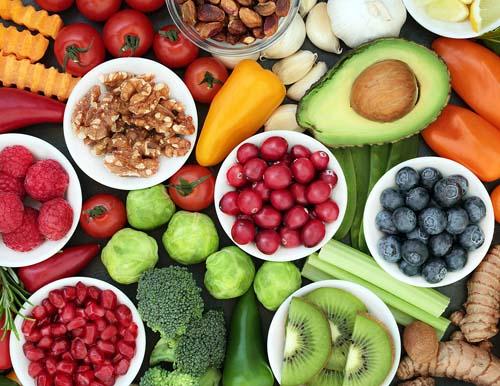 Nutricionista elenca dicas para manter a alimentação equilibrada