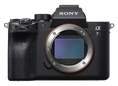 Sony lança ILCE-7RIV