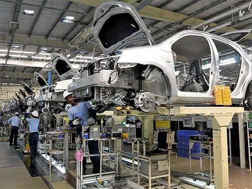 Produção supera marca de 2 milhões de veículos, revela balanço Anfavea
