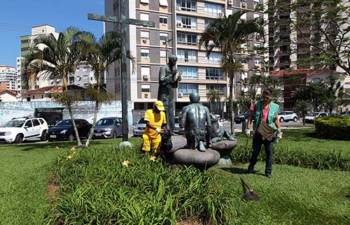 Prefeitura intensifica combate a roedores na orla de Santos