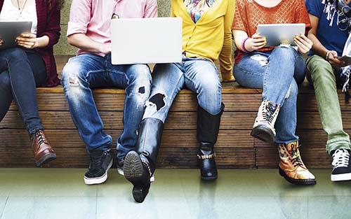 Crianças e adolescentes na era digital