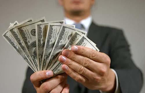 Montadoras pedem dinheiro