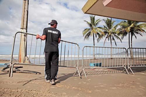 Ações da Operação Réveillon visam impedir aglomeração na orla de Santos
