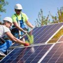 Energia renovável dobra capacidade de instalação e vira tendência para 2021
