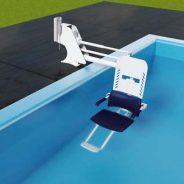 Cadeira de transferência para piscina