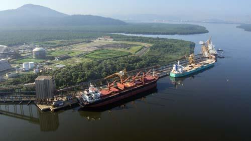 Tiplam reduz em 40% o impacto da chuva nas operações portuárias